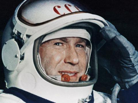Алексей Леонов - герой космоса. Доклад по ОДНКНР (5 класс)