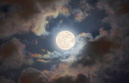 все о луне 2 класс доклад